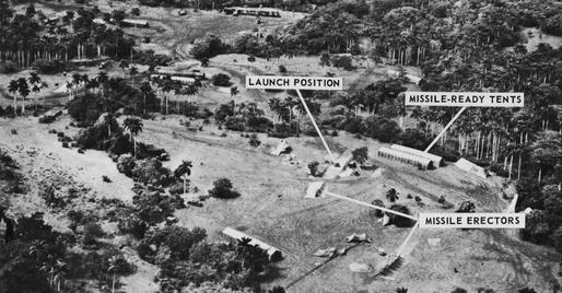 an analysis of the cuban missile crisis in united states For thirteen days in october 1962 the world waited seemingly on the brink of nuclear war and hoped for a peaceful resolution to the cuban missile crisis.